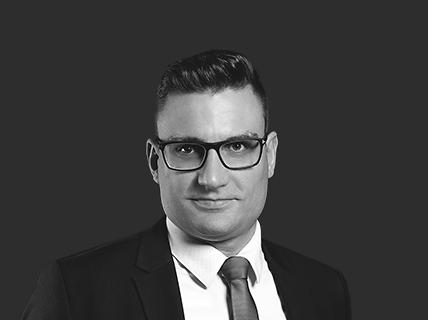 Dr. Névery Péter, ügyvéd